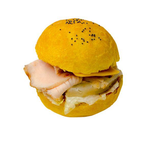 Жёлтый бургер с грилеванным  куриным филе