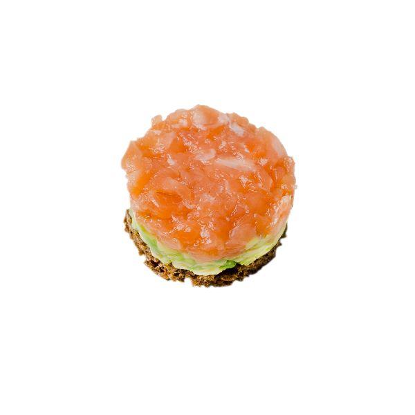 Тар-тар из лосося с крем-сыром Филадельфия